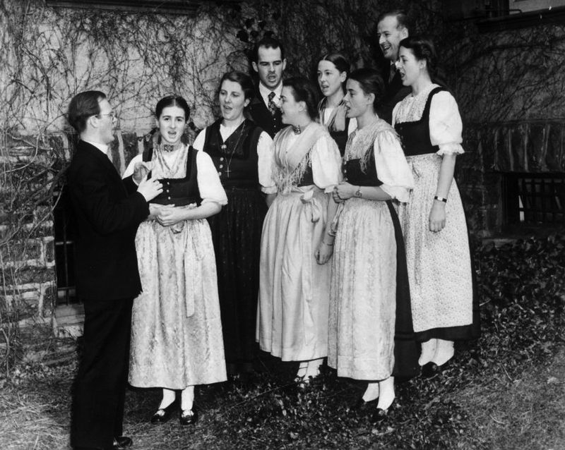 800px-Trapp_Family_Singers_1941