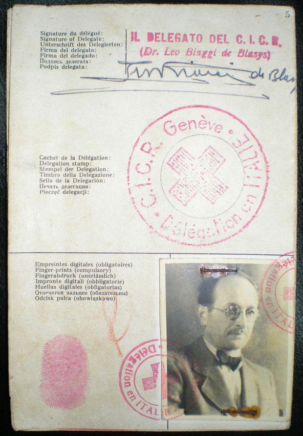 800px-WP_Eichmann_Passport