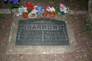 Clyde_barrow_grave