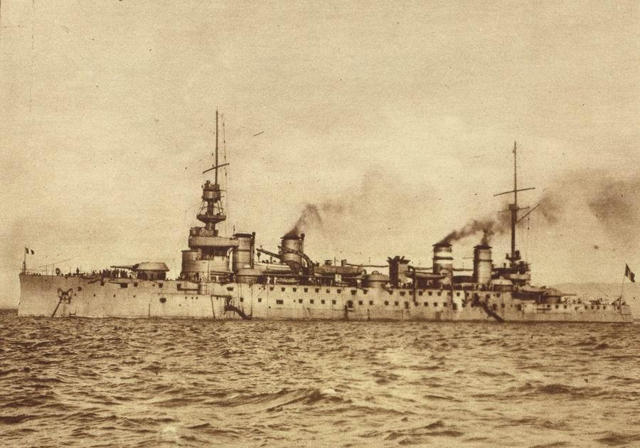 French_cruiser_Leon_Gambetta (1)
