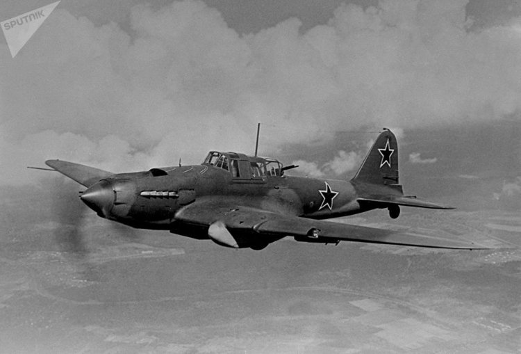 The legendary Il-2 fighter-bomber, known among enthusiasts as the 'flying tank'.