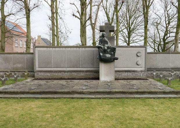 Vinkt_massacre_-_Memorial