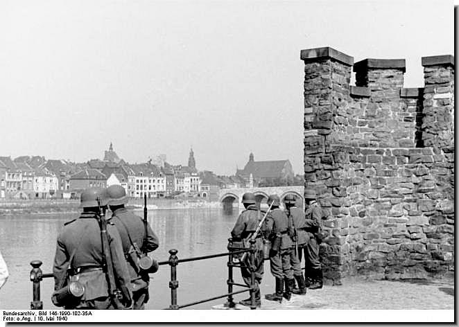 ww2-invasion-low-countries-belgium-luxembourg-netherlands-germans-1940-004
