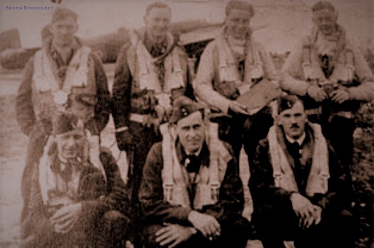 10-squadron-halifax-iii-mz684-za-b-crew-w800