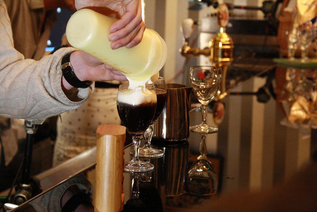 1024px-Making_of_Irish_coffee_on_Coffee_Right_in_Brno,_Czech_Republic