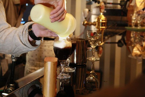 1024px-Making_of_Irish_coffee_on_Coffee_Right_in_Brno,_Czech_Republic