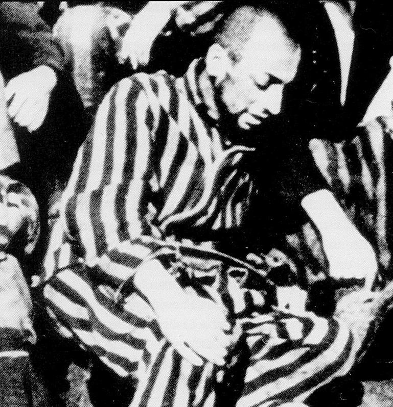 Robert_Desnos_au_camp_de_Terezin,_1945