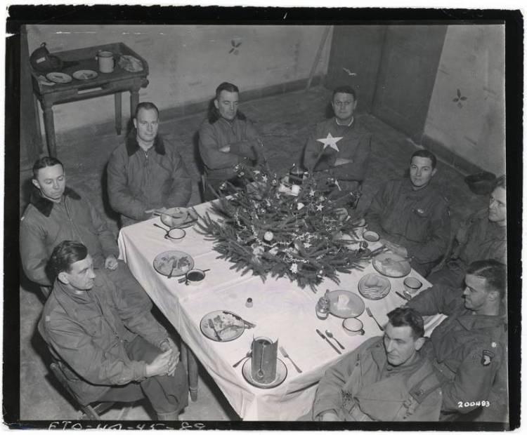 christmas-under-siege