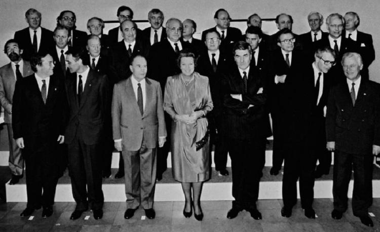 Lideres-europeos-reunidos-en-Maastrich-9.12.1991_h