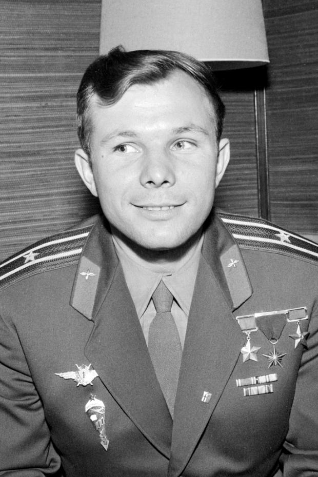 Yuri-Gagarin-1961-Helsinki-crop