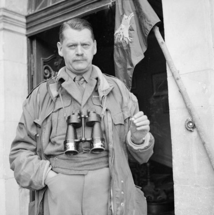 Richard_Gale_in_Normandy_June_1944_IWM_B_5352