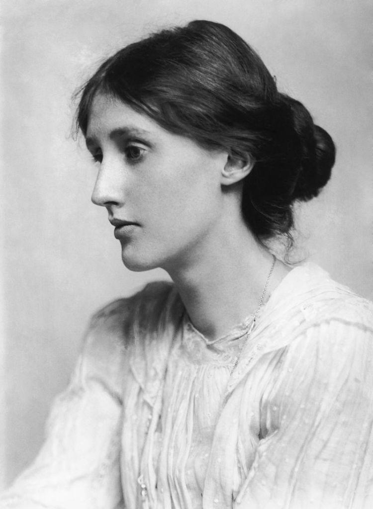 Virginia_Woolf_in_1902