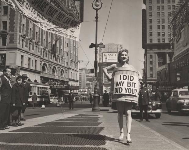 promo-girl-times-square
