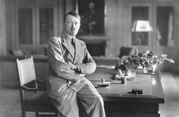 Bundesarchiv_Bild_Adolf_Hitler