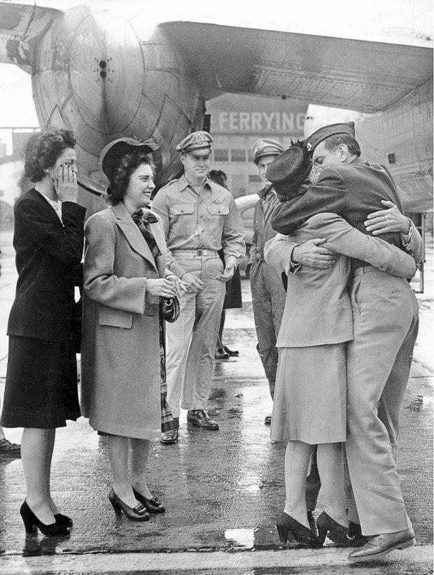 old-photos-vintage-war-couples-love-romance-35-5733459f2c6bd__880
