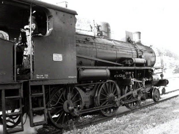 phantom-train-8017-4