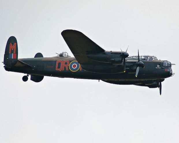 800px-Avro_Lancaster_B_I_PA474