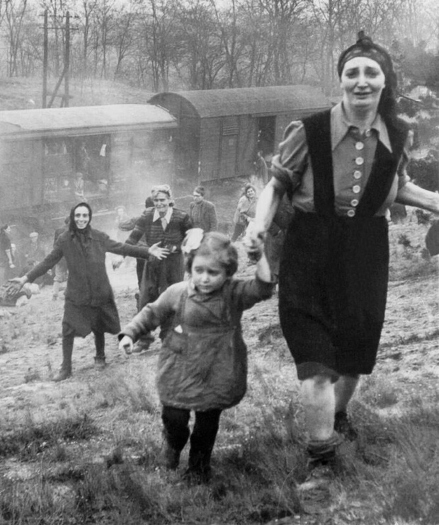 Jewish prisoners after being liberated from a death train, 1945 small (2)