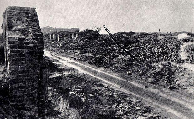 Gęsia_Street_in_Warsaw_after_the_war.jpg