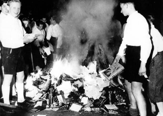 boys-burning-books