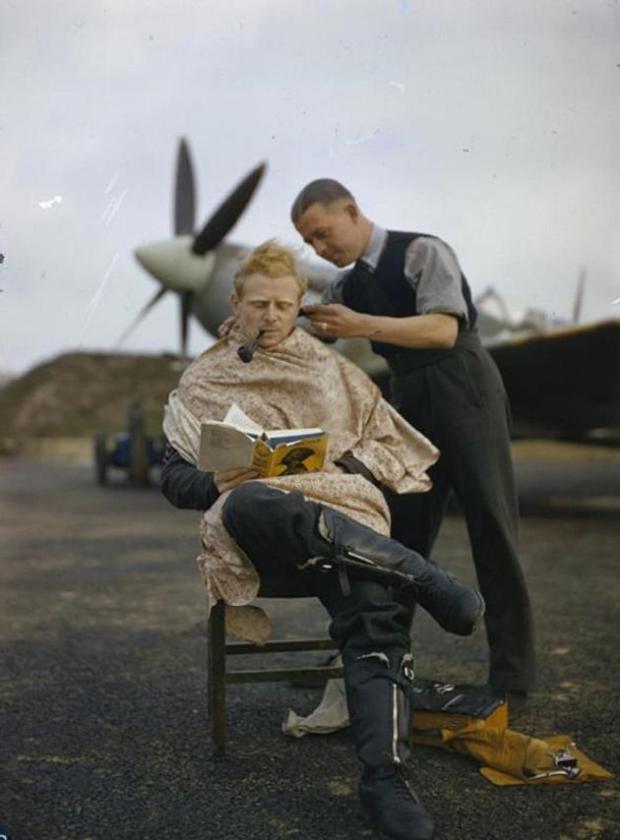 historical-photos-rare-pt2-raf-pilot-haircut