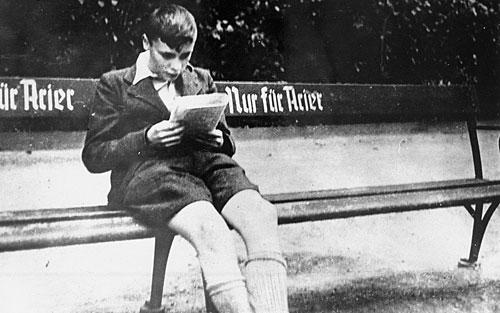 boy-bench-aryan