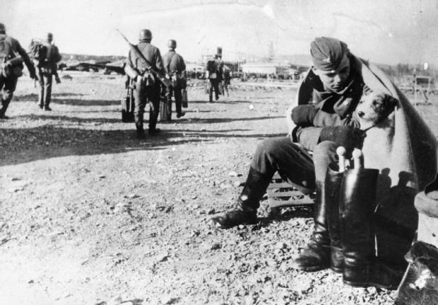 The_German_Invasion_of_Norway,_1940_HU104689